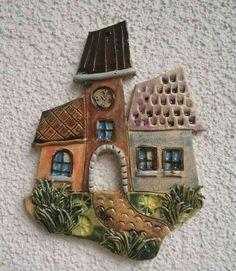 Radnice / Zboží prodejce TK-Sejřek - Hobbies paining body for kids and adult Clay Wall Art, Ceramic Wall Art, Ceramic Clay, Clay Art, Hand Built Pottery, Slab Pottery, Ceramic Pottery, Pottery Houses, Ceramic Houses