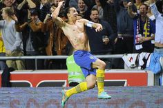 Sweden striker Zlatan Ibrahimovic was the toast of the football world — and newspaper headlines — on Thursday after scoring with a magical bicycle kick from 30 yards out in a friendly match against England. Psg, Zlatan Quotes, Stockholm, Football Celebrations, Top 10 Goals, Bicycle Kick, Scissor Kicks, Famous Sports, Sports Headlines