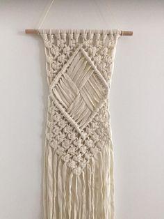 Macrame wall hanging/ macrame wandkleed/ roomwit/ wandhanger/