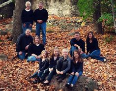 20 Creative Family Photo Ideas posted on Oct. 2017 at amExcellent for if you want to feature the littlest and newest portion of the family. Fall Family Portraits, Family Portrait Poses, Family Picture Poses, Fall Family Photos, Family Photo Sessions, Family Posing, Family Pics, Portrait Ideas, Large Family Pictures