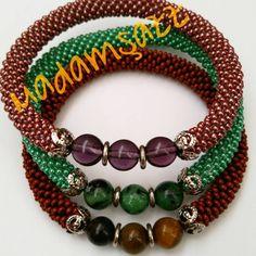 Sipariş için whatsapp veya dm 😉 #elyapımı #boncuk #bileklik #madamşazz #boncukbileklik #elemeği #bead #beadedbracelets #mavi #sipariş #yaz… Crochet Beaded Bracelets, Bead Crochet Rope, Beaded Jewelry, Handmade Jewelry, Beaded Necklace, Crochet Flowers, Beading Patterns, Seed Beads, Jewelry Accessories