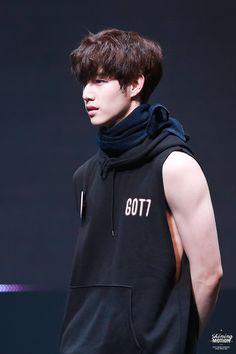 GOT7's mom: Jinyoung, fyeah-marktuan: © Shining Motion | PLEASE DO NOT...