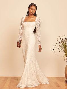 Wedding Wear, Wedding Gowns, Lace Wedding, Gatsby Dress, Dramatic Look, Jeans Dress, Lace Fabric, Bridal Style, Smocking