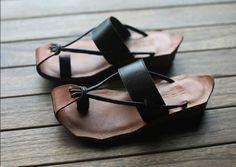 Black Handmade Sandals / First Layer True por clothingshow en Etsy, $69.00
