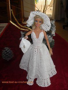 Barbie Gowns Barbie I Barbie Dress Barbie Clothes Doll Dresses Crochet Doll Clothes Crochet Dolls Wedding Doll Chrochet Dress Barbie, Barbie Wedding Dress, Wedding Doll, Barbie Gowns, Barbie Clothes Patterns, Crochet Barbie Clothes, Crochet Baby Dress Pattern, Crochet Fashion, Bazaars