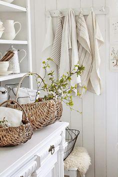 Vibeke design by juanita Farmhouse Style Bedrooms, Modern Farmhouse Kitchens, Farmhouse Decor, Swedish Farmhouse, Swedish Cottage, White Cottage, Cozy Cottage, Cottage Style, Deco Champetre