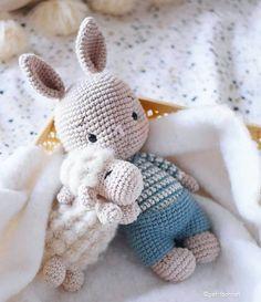 Diy Crochet Toys, Diy Crochet Projects, Crochet Bunny, Cute Crochet, Crochet Animals, Amigurumi Doll, Amigurumi Patterns, Crochet Patterns, Cute Dolls