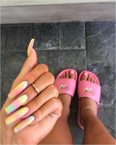 Kylie Jenner's Colorful New Manicure Proves Tie-Dye Nails Are Officially a Trend Summer Acrylic Nails, Best Acrylic Nails, Acrylic Nail Designs, Summer Nails, Coffin Nails Designs Summer, Acrylic Toes, Square Acrylic Nails, Spring Nails, Ongles Kylie Jenner