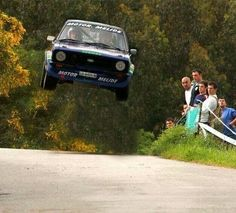 Escort flying high check this out Autos Rally, Rally Car, Ford Rs, Car Ford, Ford Capri, Retro Cars, Vintage Cars, Wheel In The Sky, Ford Motorsport