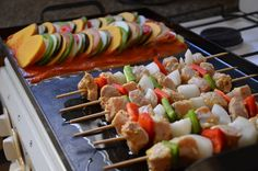 La Planchetta es un equipamiento de cocina construido en chapa hierro de 2.5 mm. Ratatouille, Cooking Together, Sushi, Grilling, Chicken, Ethnic Recipes, Food, Diet Supplements, Gourmet