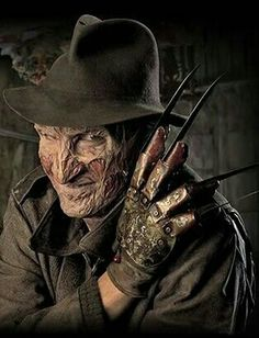 A Nightmare on Elm Street - Freddy Krueger (Robert Englund)