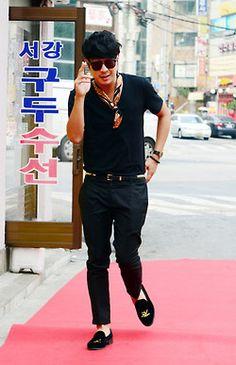 my third bias, Haha Running Man Cast, Running Man Korean, Korean Tv Shows, Korean Variety Shows, Budget Fashion, Fashion Ideas, Beach Weddings, Discount Designer Clothes, Korean Drama