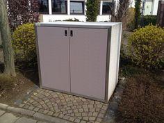 Mülltonnenbox SILENT 242, Corpus eisgrau, Türen taupe-violett, Rahmen Edelstahl. www.paul-wolff.com