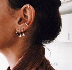 No Piercing Ear Wires TWO HEARTS/love piercing imitation/fake faux piercing/ohrklemme ohrclip/ear jacket manchette/cartilage conch earcuff - Custom Jewelry Ideas Gold Bar Earrings, Emerald Earrings, Crystal Earrings, Crystal Jewelry, Silver Jewelry, Silver Ring, Geode Jewelry, Helix Earrings, Dainty Earrings