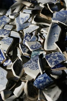 Pottery sea shards . . . lots of nice designs . . . love it! #ecrafty
