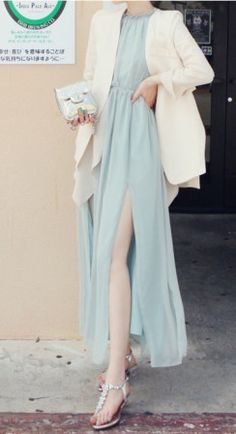 Bohenmia slit hem chiffon maxi dress - US$ 28.91