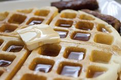 Homemade Belgian Waffles in a Waffle Iron - Betty Crocker Style! | Full recipe - Click here! | Casa de Lindquist - Food