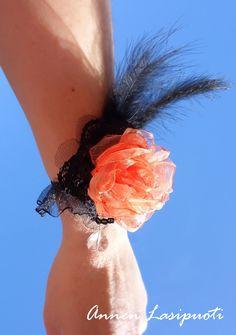 wrist flower Wrist Flowers, Crafting, Crafts To Make, Crafts, Handarbeit, Girl Scout Crafts, Artesanato, Craft