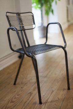 Una de nuestras sillas de la sala de reuniones.