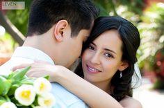 Novios, boda, jardín, sesión nupcial, momentos previos, ramo