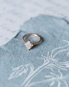 Silver Engagement Ring Designs - Mosting likely to purchase an engagement ring? You most definitely like this best engagement ring designs. The modern-day, timeless, and also high-end engagement ring. Buying An Engagement Ring, Silver Engagement Rings, Designer Engagement Rings, Wedding Engagement, Wedding Bands, Solitaire Engagement, Solitaire Diamond, Solitaire Rings, Diamond Rings
