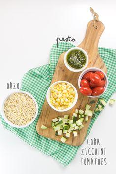 Pesto Summer Finger Salad for Baby Baby Food Recipes, Dinner Recipes, Healthy Recipes, Kale Pesto, Pesto Salad, Toddler Lunches, Toddler Food, Homemade Pesto, Homemade Baby