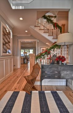 Hardwood Floor Ideas & Inspiration {and an update!} - The Inspired Room   I do love a large entry/staircase.