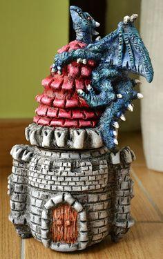 Creativity of Fià: Barattolo - torre con drago