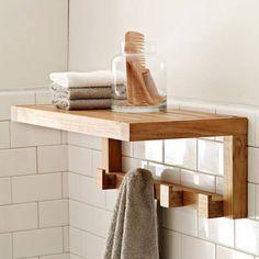 Estante realizado en madera de forma integramente artesanal. Tiene una repisa y ganchos que permiten una mejor organizacion. Diseño sencillo y eficiente. ...