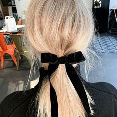 Jessica Bérullier (@jessicaberullier) • Instagram photos and videos Jewelery, Scarves, Belt, Photo And Video, Videos, Hats, Instagram, Jewlery, Scarfs