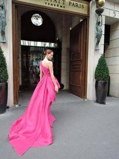 walkingthruafog: Parisian elegance jαɢlαdy