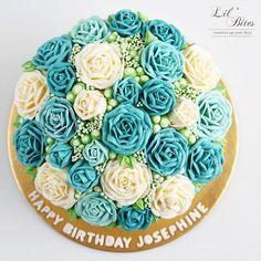 Be your own kind of beautiful  •  •  •  •  •  •   #flowercake #buttercream #buttercreamcake #cakestagram #instacake #lilbitesid #ciakholiao #kulinermedan #cakecakecake #foodphotography #foodblogger #food52 #f52grams #birthdaycake #foodgawker #buzzfeast #anakjajan #eeeeeats #eatandtreats #sgbakes #goodeats #homebaked #huffposttaste #hidupuntukmakan #makanmana #vscocam #bonappetit #wiltoncakes #yahoofood #onthetable