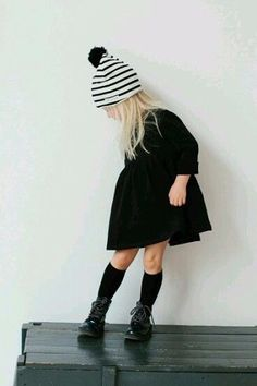 Ideas for fashion kids girl outfits stripes Little Girl Fashion, Toddler Fashion, Kids Fashion, Fashion Clothes, Little Girl Style, Fashion Ideas, Kids Winter Fashion, Winter Kids, Travel Fashion