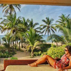 A vista e o aconchego do quarto de um hotel boutique delicioso em Punta Cana.  by nosdoisnomundo