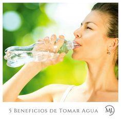 #Tip - 5 Beneficios para la Piel al Tomar #Agua  Mejora la #elasticidad de la piel. El agua favorece la generación de proteínas que aportan firmeza y elasticidad (colágeno y elastina).  Elimina #toxinas: contribuye a depurar el organismo.  Reduce la #celulitis. Una adecuada hidratación mejora la circulación sanguínea lo cual permite una correcta oxigenación de cada tejido.  Reduce la aparición de las #arrugas. Ayuda a retrasar la aparición de los signos de envejecimiento como las arrugas y…