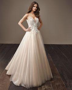 Bernice Wedding Gown | Badgley Mischka Bride Collection 2018