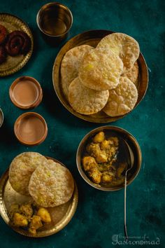Two Bengali classics. Radhaballavi, the addictive dal-stuffed puri. And aloor dum, a delicious potato curry perfumed with ginger, cumin and coriander. Bangladeshi Food, Bengali Food, Bangladeshi Recipes, Indian Snacks, Indian Food Recipes, Indian Breads, Indian Dishes, Comida India, Yummy Food