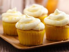 Lemon Shandy Cupcakes......like Leinenkugel Summer Shandy....Yummy!