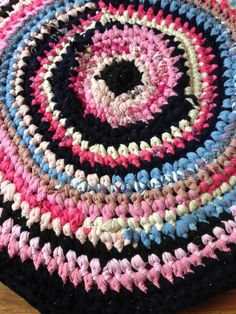 Crochet pink rag rug, Upcycled small cotton doormat, Small round blue bedroom bathroom rug, Washable dogs cats nursery mat pad, Upcycled Eco