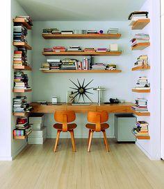 Enviable Soho loft home office library Soho Loft, Ny Loft, Home Living, Living Spaces, Living Room, Office Nook, Office Spaces, Office Decor, Loft Office