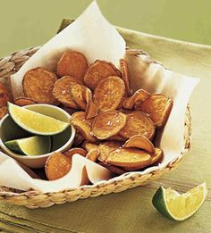 Baked Sweet Potato chips - A mandoline or a hand-held slicer will quickly turn out thin, even slices of sweet potato, although a sharp knife and a steady hand will also work fine. Sweet Potato Chips, Sweet Potato Recipes, Clean Eating Recipes, Cooking Recipes, Paleo Recipes, Good Food, Yummy Food, Chips Recipe, Tapas
