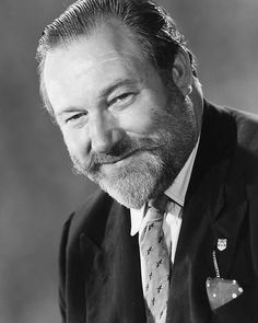 """""""Remembering the late Actor, James Robertson Justice June 1907 – 2 July British Comedy Films, Comedy Actors, Actors & Actresses, Hot British Actors, American Actors, Actor Secundario, Actor James, Francis Huster, Marilyn Monroe Photos"""