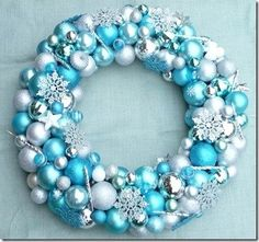 DIY Christmas ball ornament wreath tutorials to make beautiful Christmas wreaths. DIY Christmas ball ornament wreath tutorials on how to make beautiful wreaths. Bauble Wreath, Christmas Ornament Wreath, Christmas Wreaths To Make, Christmas Balls, Holiday Wreaths, Christmas Holidays, Christmas Decorations, Xmas, Christmas Topiary