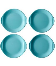 Ditch the paper plates and give your outdoor entertaining arsenal a serious upgrade with this stylish, durable servingware created by the famed mid-century designer, Russel Wright. Plates come in sets of four, in two fresh colors, and are all dishwasher safe.