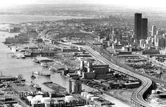 Gardiner Expressway: 'Big Daddy's' gift to Toronto Toronto Skyline, Toronto City, Toronto Star, Paris Skyline, New York Skyline, Toronto Pictures, Old Pictures, Old Photos, Scarborough Toronto