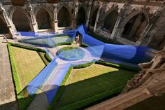 Les-Voutes-Filantes - Atelier Yokyok installs vaulted string tunnels in a Gothic cloister garden