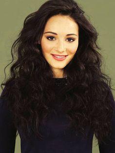 Maria Ehrich- love her hair<3