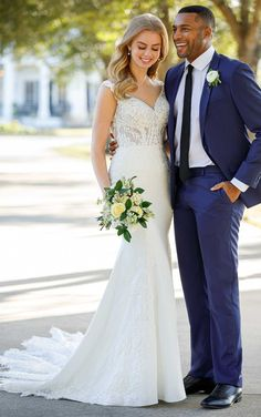 This lace wedding dress from Martina Liana is a dream come true! ☁️ Beautiful lace details and luxurious fabric. Repin This Look to your dream wedding dress board!💕// www.martinaliana.com Crepe Wedding Dress, Used Wedding Dresses, Elegant Wedding Dress, Lace Wedding, Dream Wedding, Wedding Happy, Wedding Blog, Wedding Stuff, Destination Wedding