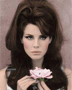 Face: Lana Del Rey | Body: Raquel Welch #LDR #edit