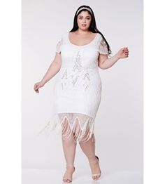 This Flapper Style Fringe Party Dress in White Silver recaptures the glamour of 1920's fashion. The classic scalloped sleeves and soft V-neck preserve the vintage look, while highlighting the modern fit. Flapper Style Dresses, Fringe Flapper Dress, Gold Sequins, Plus Size Model, Wedding Looks, Historical Clothing, Vintage Looks, Day Dresses, Vintage Inspired